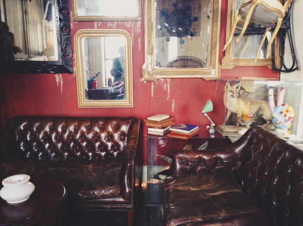 Derriere Restaurant Fumoir