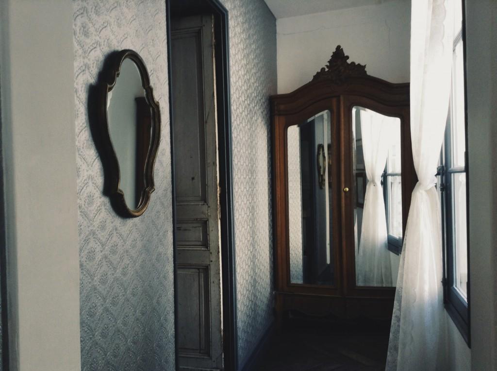 Derriere Restaurant Hallway
