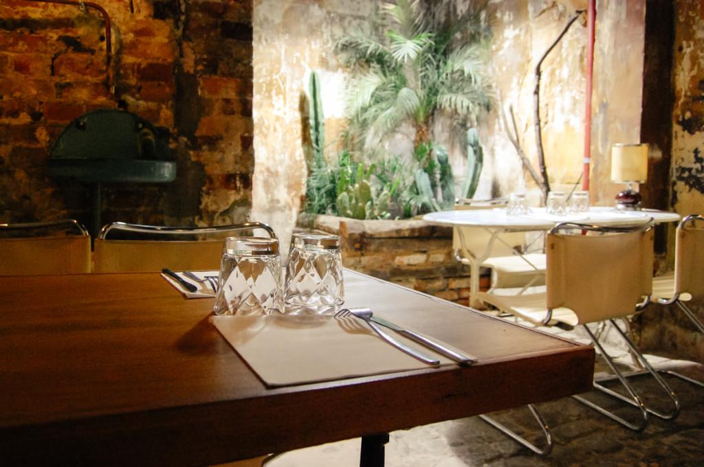 Unique Paris Restaurants: Floyd's
