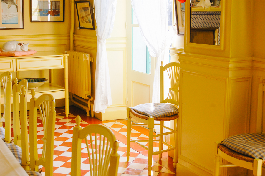 A peek inside Monet's colourful house
